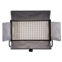 Falcon Eyes LP-DB820CT LED lamp dimbaar op 230 V
